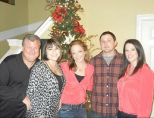Chris, Susie, and her 3 kiddos, Lindsey, Phillip, & Amy.